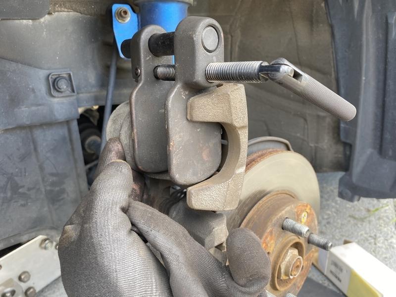 ブレーキパッド交換専用工具