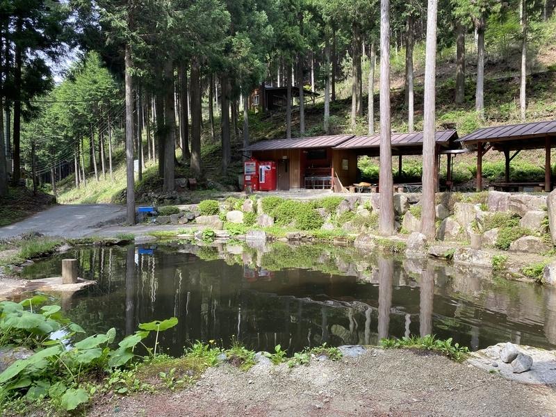 芦川オートキャンプ場の釣り堀