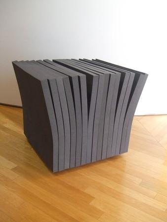 触れて遊びたくなる椅子:すきまの椅子3