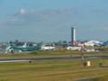 工場で製造した航空機は自前の空港からお持ち帰り
