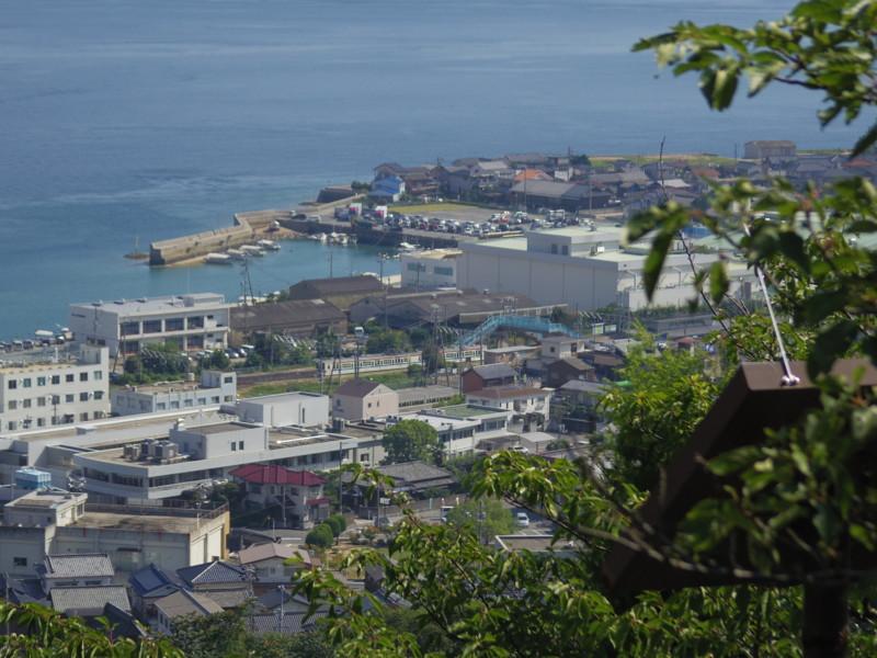 黒滝山休憩所から忠海駅