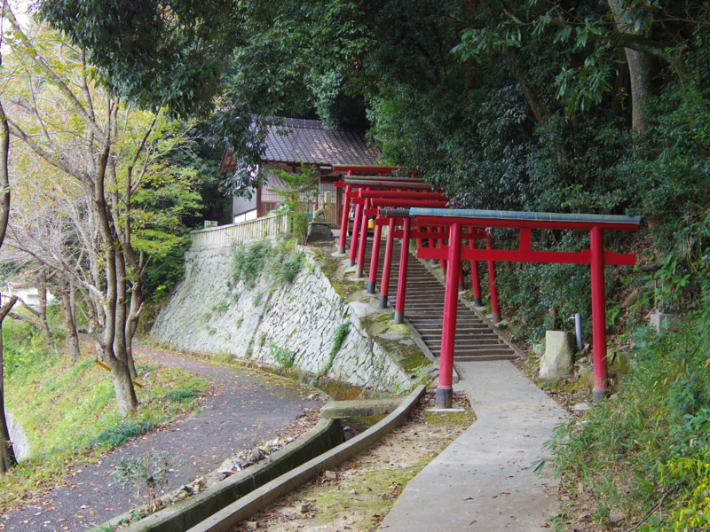 小田山神社。今回のウォークラリーの最難関