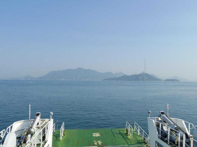 忠海港から大久野島へ渡ります