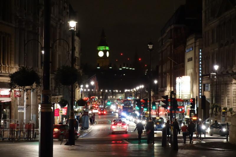 Trafalgar SquareからBig Ben方向