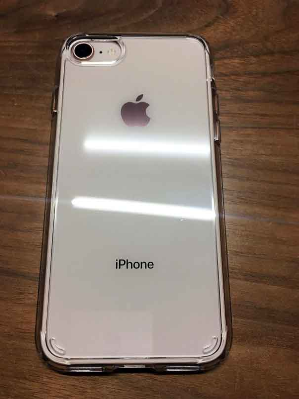 iPhone 8 spigenケース