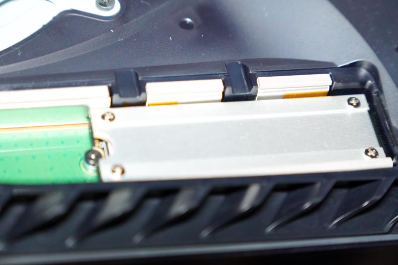 SSD固定