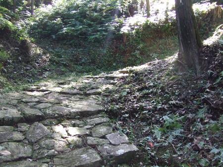 横垣峠の石畳2