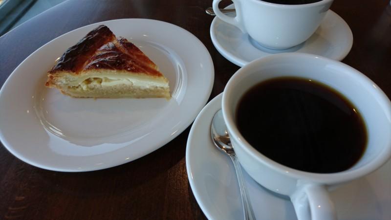 ガレットマムとブレンドコーヒー