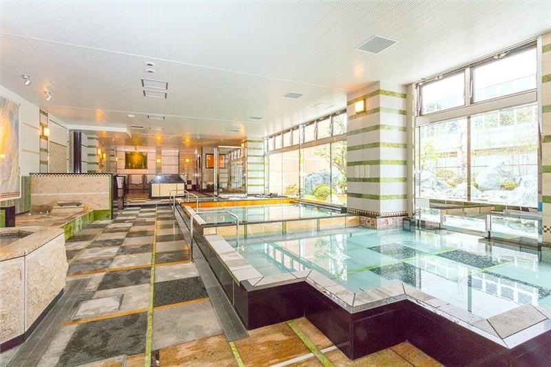 サンピアの湯の室内浴場