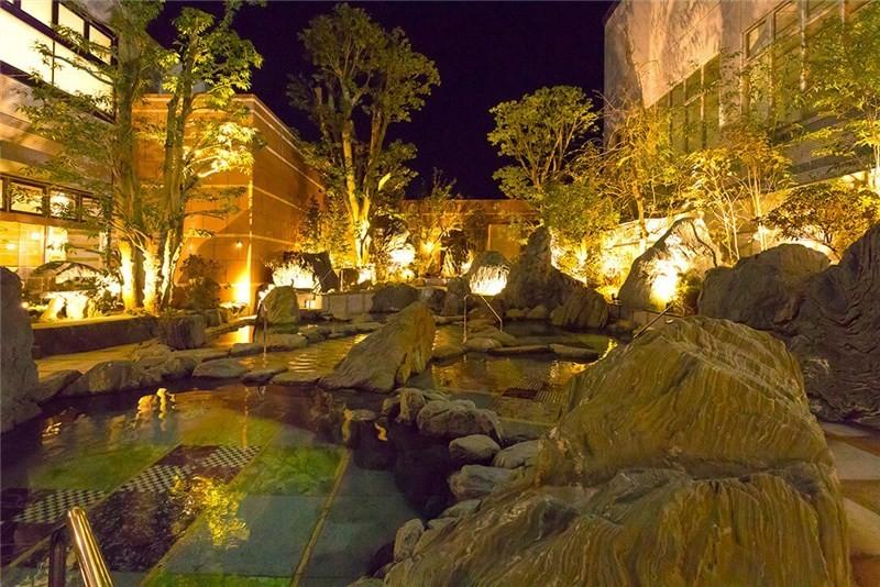 サンピアの湯の露天風呂