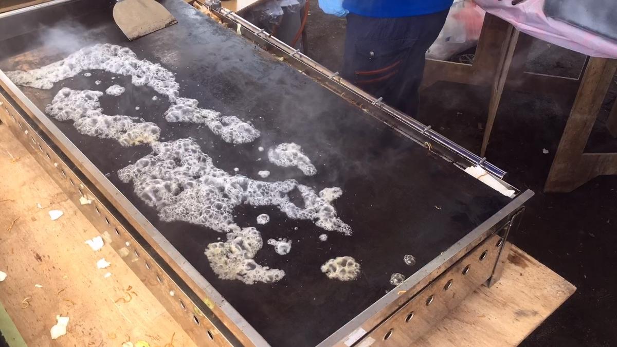 焼きそば鉄板洗い