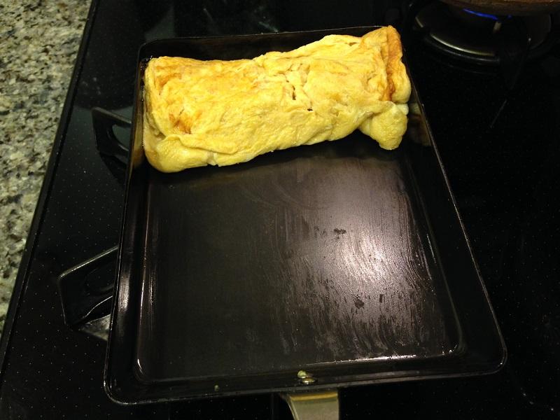 鉄のフライパンにくっつかない卵焼き