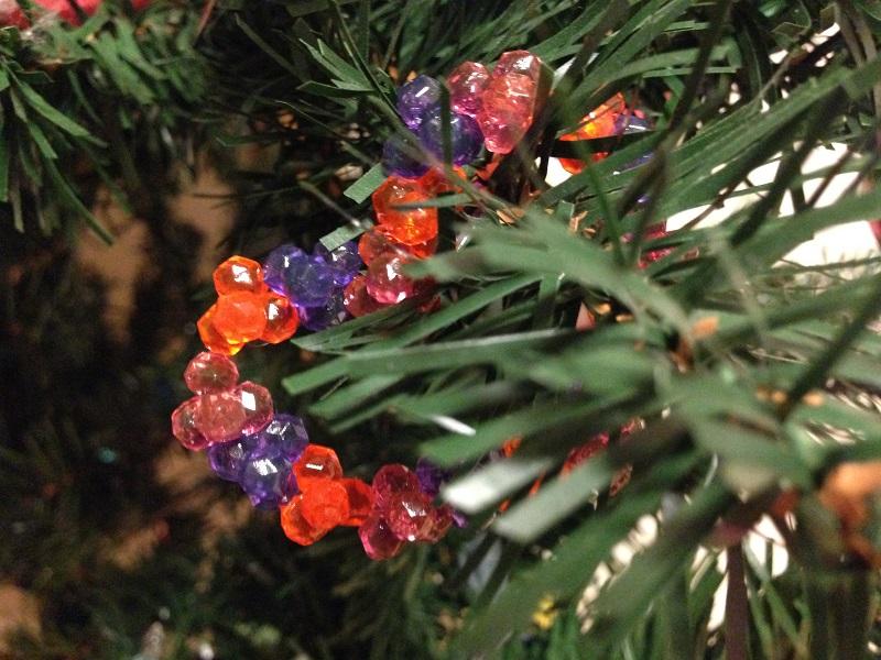 アクアビーズのクリスマスツリー飾り
