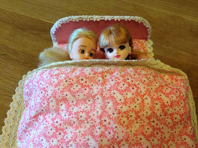 手作りリカちゃんベッド