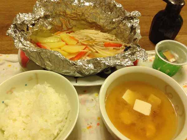 鮭のホイル焼きの夕食献立