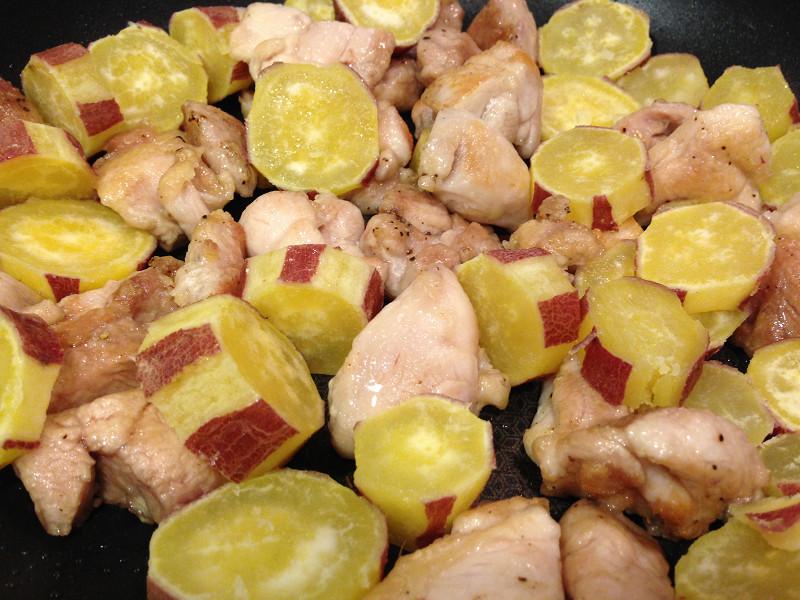 さつまいもと鶏肉の炒め物