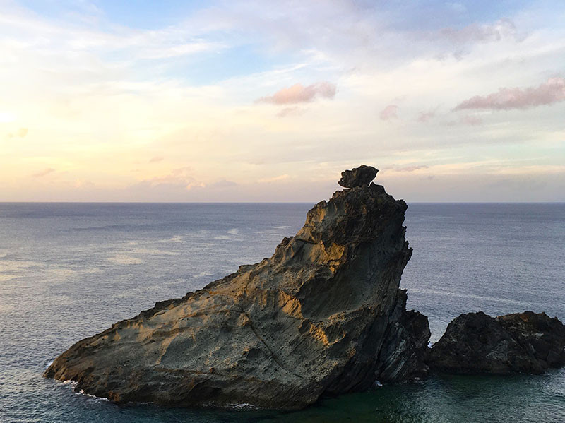 石垣島のコログがいそうな岩