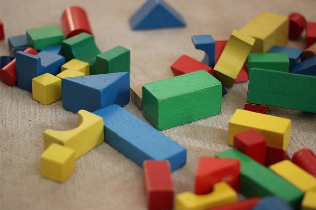 積み木 おもちゃ 自由 型 はまる ハマる パズル 遊ぶ 遊び 玩具 赤ん坊 人生