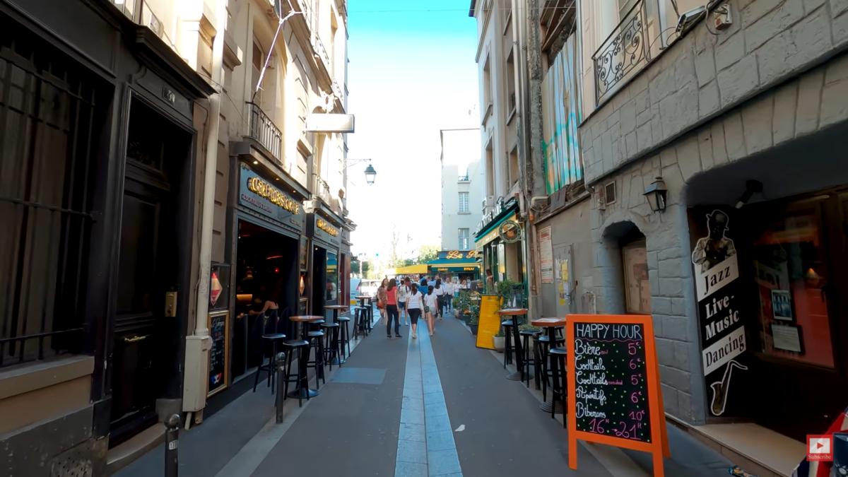 VR散歩で眺めるパリの街