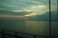 [行ったとこ]夕暮れにゆきかう小船と明石海峡大橋