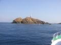 神子元島の無人灯台 この辺にサメがうようよと・・・