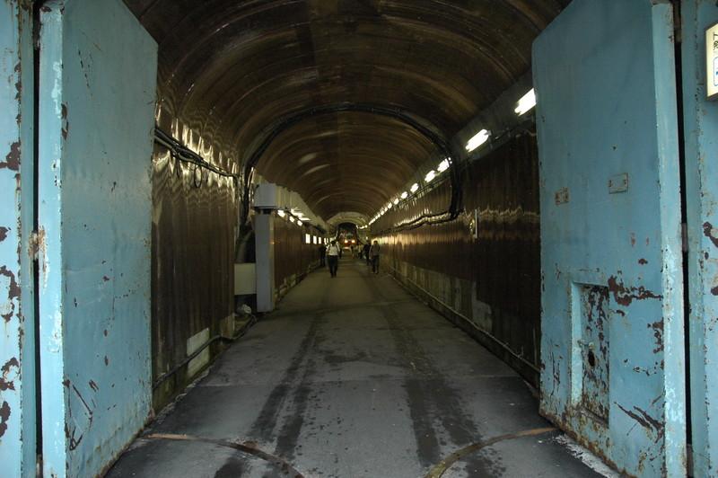 黒部ダムから黒部ダム駅への通路
