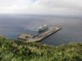 海原に突き出した港。波がちょっとでもあると寄港できず。