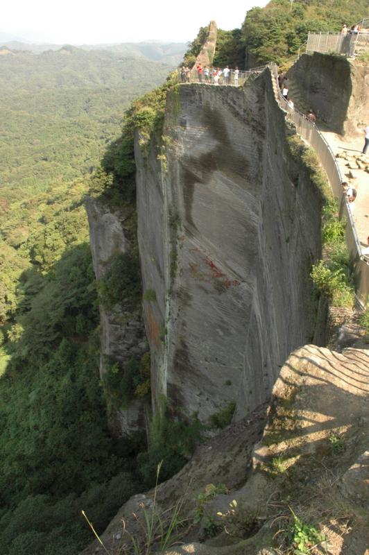 絶壁の鋸山