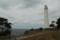 背の高い松林からもひときわ高い灯台