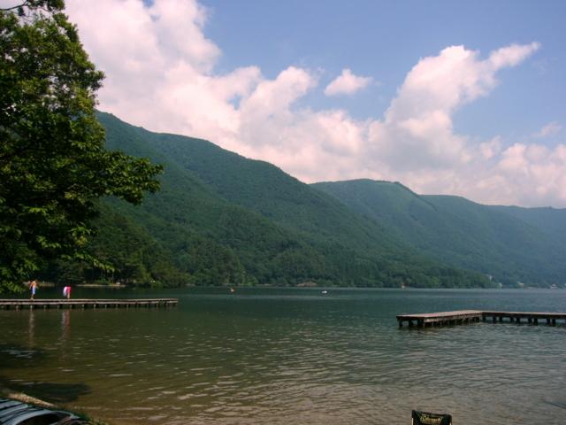 木崎湖畔(長野県大町市)