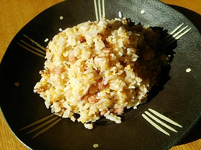 ソーセージの炒飯(ナンプラー風味)