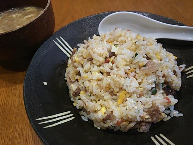 豚バラと梅干しと大葉の炒飯