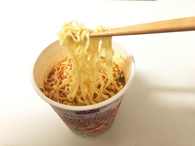 トップバリュ トムヤムクン ヌードル 麺