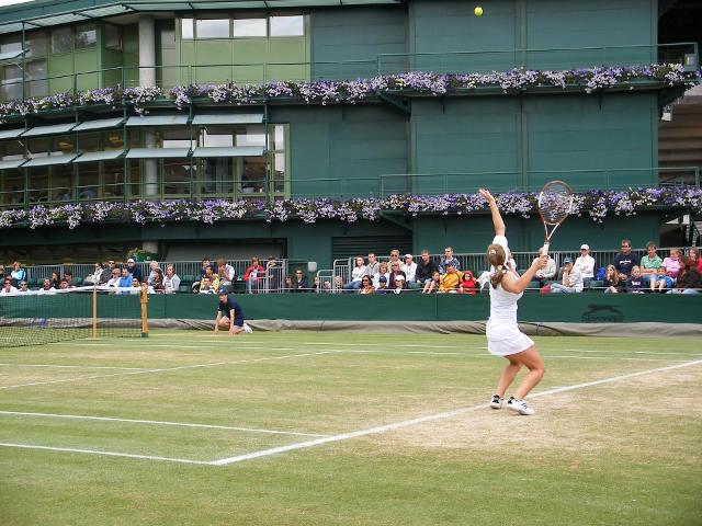 テニス サーブ サンプル画像