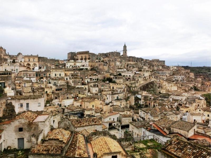 イタリアのバジリカータ州マテーラにあるホテル、イルベルヴェデーレ(Il Belvedere)からの眺め