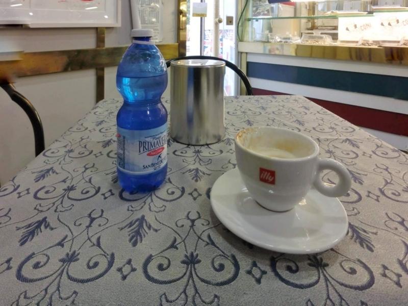 アルベロベッロのカフェ