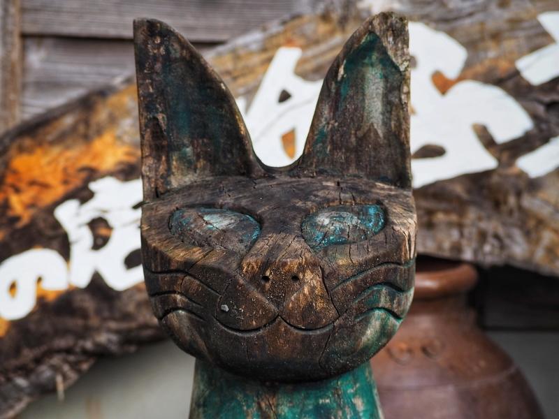 鹿児島の仙巌園内にある猫神神社の横にある土産物「紙ふうせん」