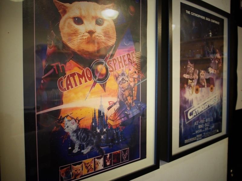チェンマイにある猫カフェ、キャトマスフィア(Catmosphere)の店内に飾られているポスター