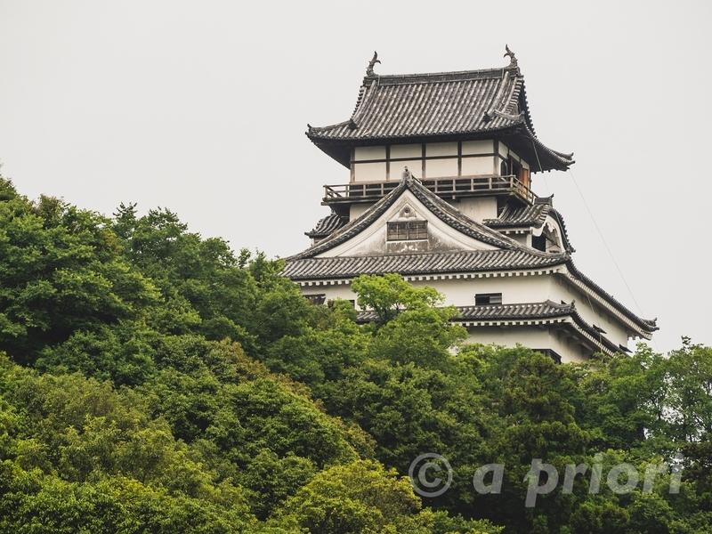 愛知県犬山市の犬山城。木曽川沿いからの眺め