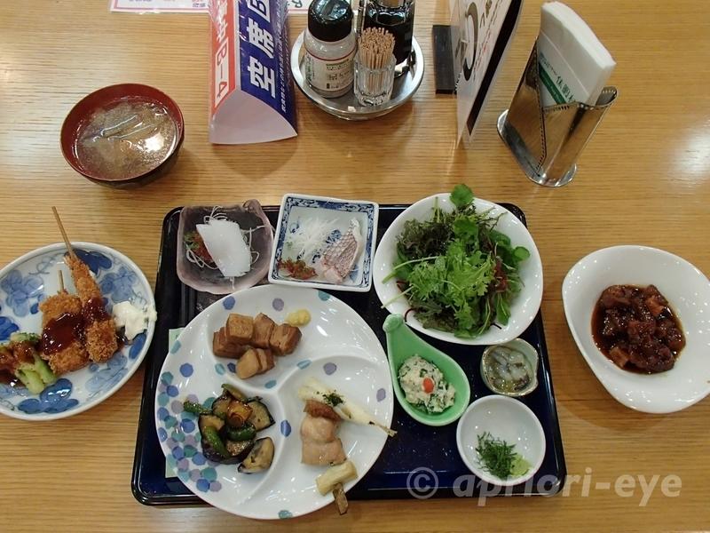 大久野島にある休暇村大久野島のビュッフェスタイルの食事