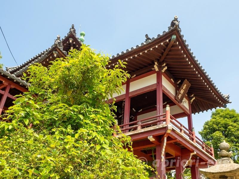 竹原市の町並み保存地区にある西方寺普明閣