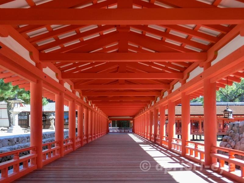 広島県廿日市市にある朱色が美しい厳島神社