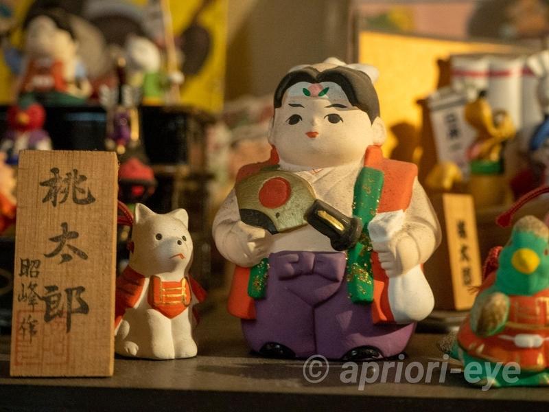 桃太郎からくり博物館に展示されている桃太郎の人形