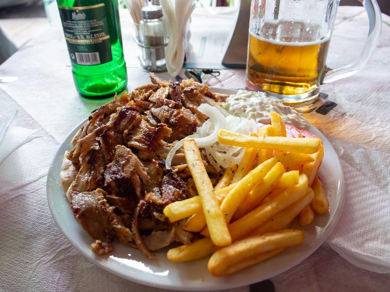 ギリシャ料理のギロス