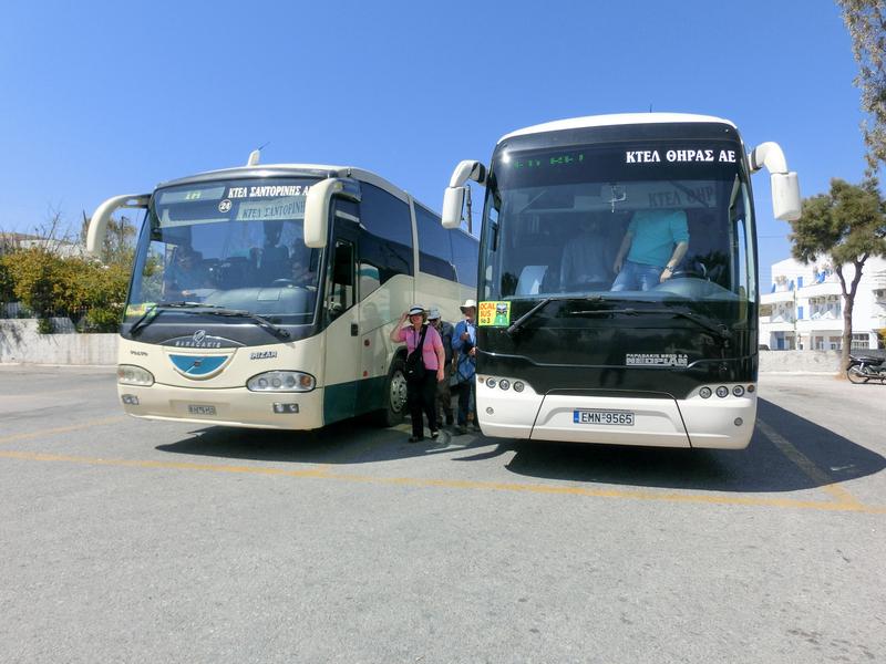 サントリーニ島フィラのバスステーション