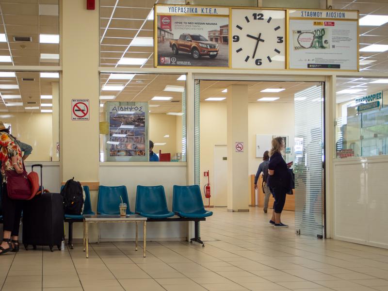アテネのリオシオン・ターミナルのチケット売場