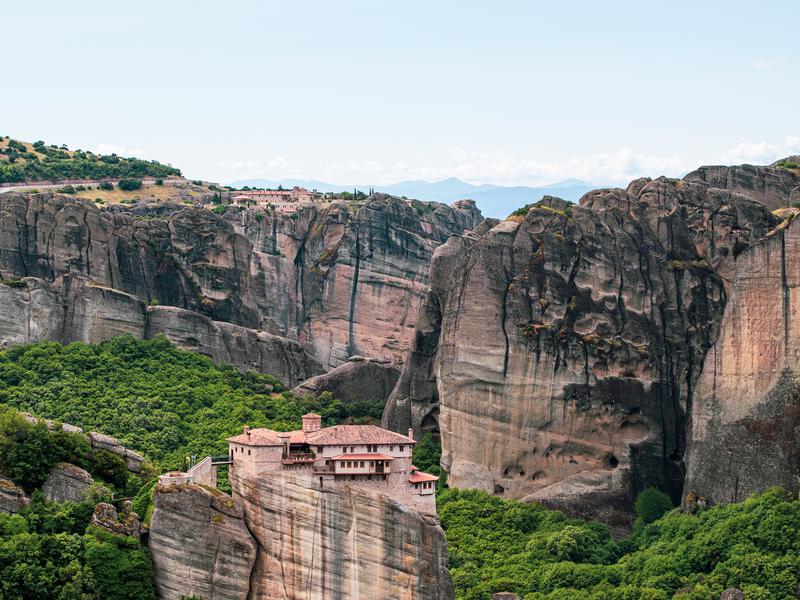 メテオラのメガロ・メテオロン修道院からの眺め