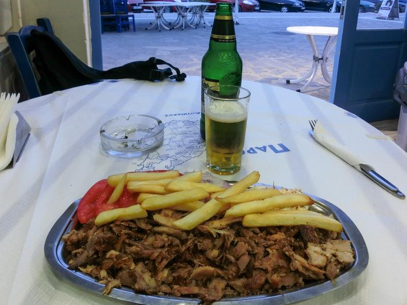 パロス島パリキアにあるレストラン「Zorbas」のギロス