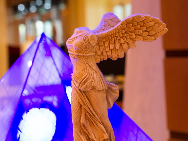 ソフィテル・アテネ・エアポートのギリシャを感じさせる展示物