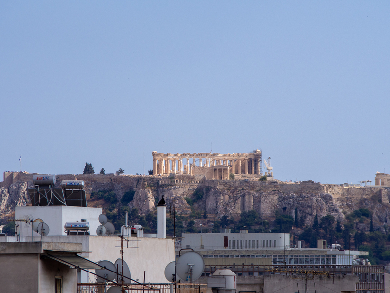 アテネ駅前にあるオスカーホテルの屋上にある「Apollon Roof Garden」から見えるアクロポリス